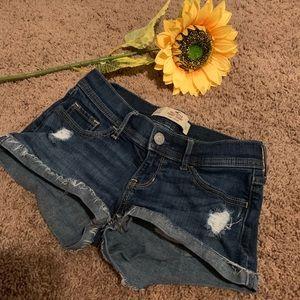 EUC‼️ Hollister Jean Shorts Size 1